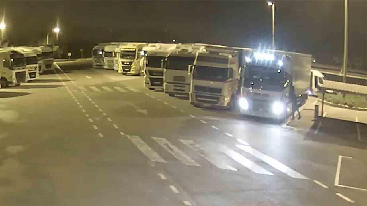 Tres detenidos que robaban en camiones estacionados en las áreas de servicio