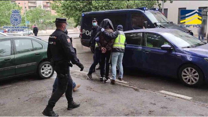 3 detenidos en Granada alentaban a cometer atentados contra franceses
