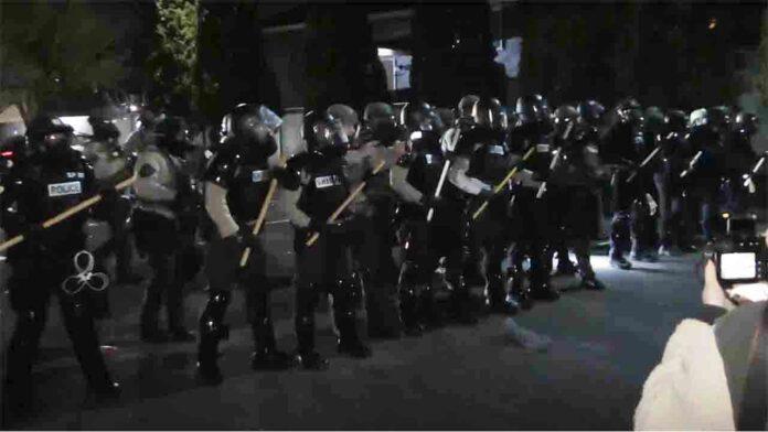 Disturbios en Minneapolis por la muerte de hombre a manos de la policía