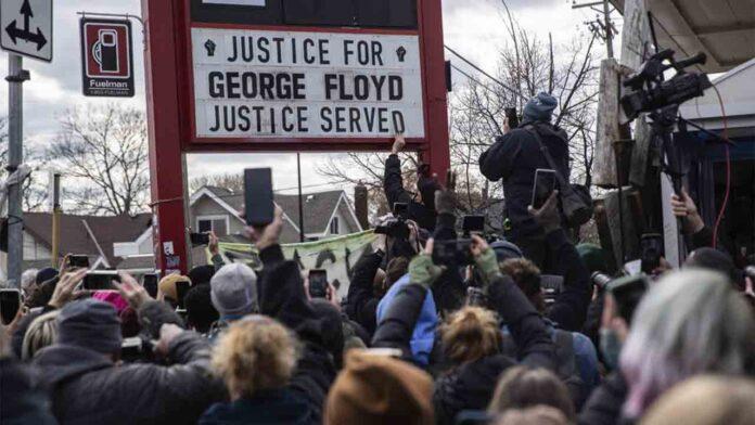 El policía que mató a George Floyd, Derek Chauvin, culpable de asesinato