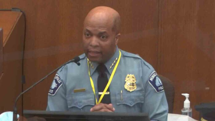 Jefa de policía de Minneapolis: 'No hay justificación para el policía que mató a Floyd'