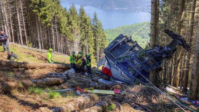 14 muertos en Italia tras desprenderse un teleférico