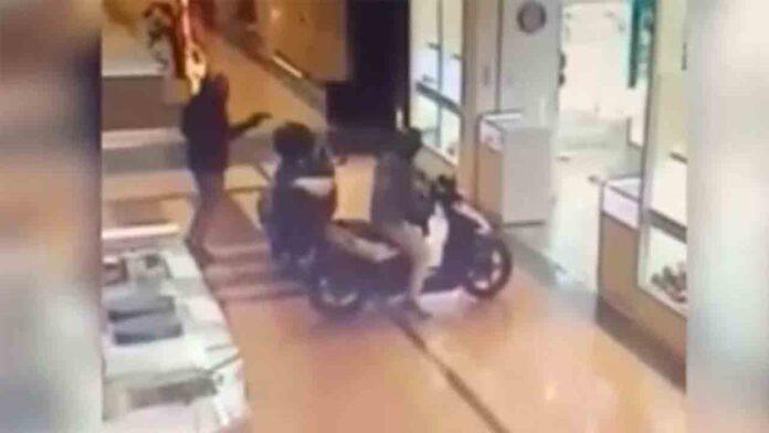 4 detenidos en una persecución en Murcia tras un atraco a un centro comercial
