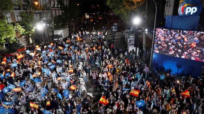 Ayuso gana en Madrid y suma mayoría absoluta con la extrema derecha