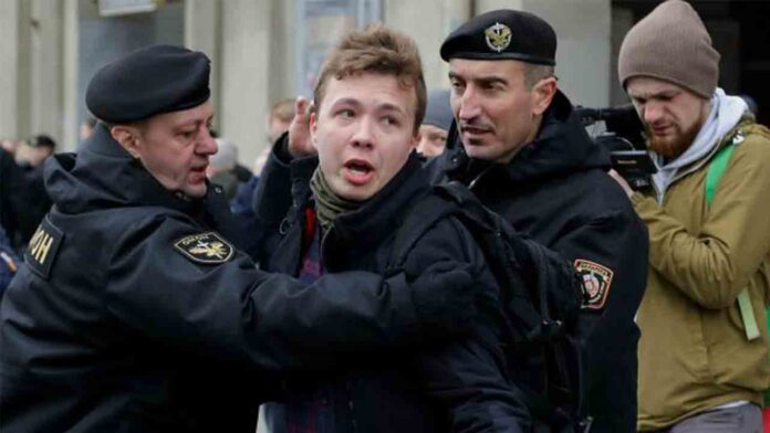 Bielorrusia acusada de secuestrar un vuelo de Ryanair para arrestar a un bloguero