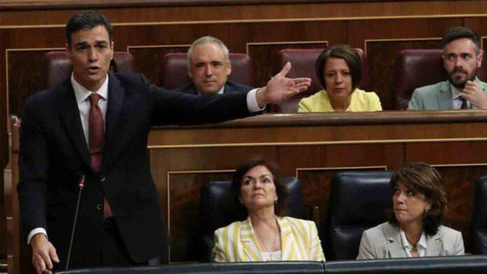 ¿De qué lado esta Pablo Casado en la crisis migratoria?