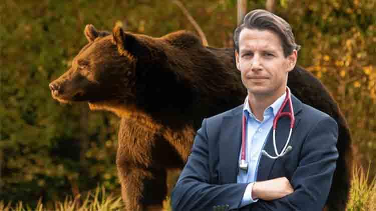 El príncipe de Liechtenstein mata al oso más grande de Rumania en una zona protegida