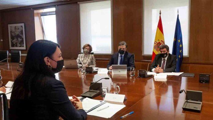José Luis Escrivá se reúne con la directora de la EASO, Nina Gregori