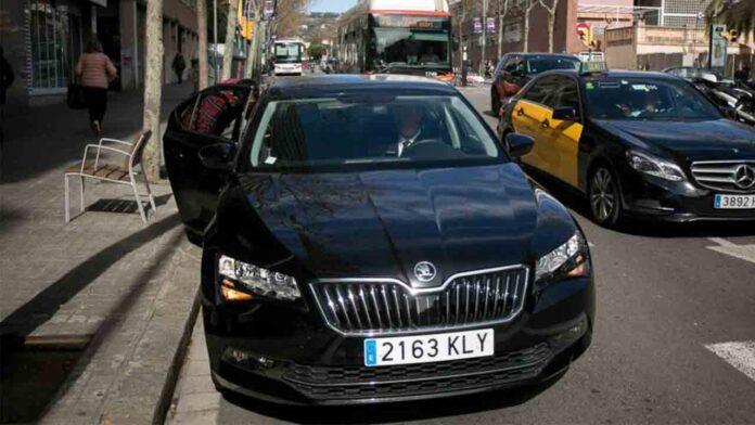 La mayoría de los vehículos de Cabify en Barcelona circulan sin ITV al día