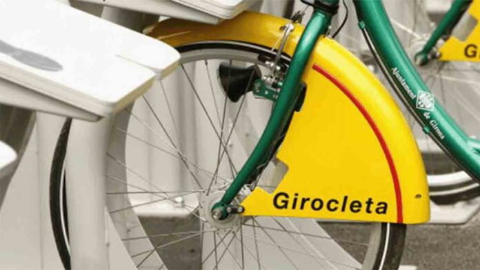 Los Mossos usan una bici pública para pillar a un ladrón en Girona