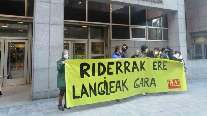 Otro golpe a Glovo: la justicia vasca dictamina que los Riders son empleados