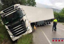 Se sale de la vía un camionero que multiplicaba por ocho la tasa de alcohol