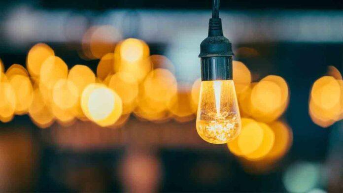 El Gobierno bajará este jueves el IVA de la luz al 10%