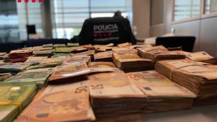 Incautan gran cantidad de armas, drogas y dinero a dos clanes en Barcelona
