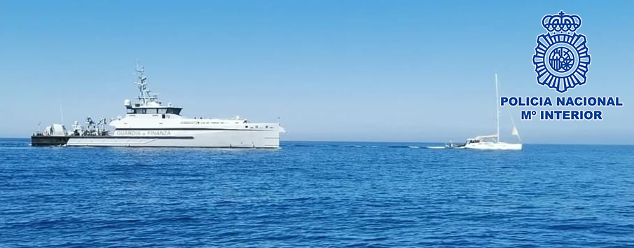 La policía interviene una velero cargado con seis toneladas de hachís