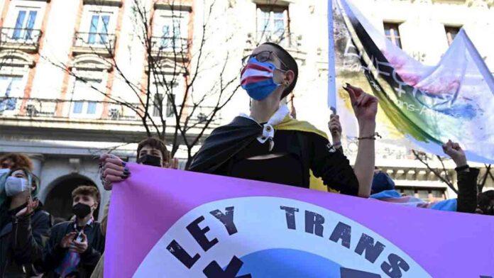 Luz verde a la ley trans que permitirá cambiar de género libremente