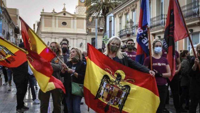 València impone las primeras multas por enaltecimiento del franquismo