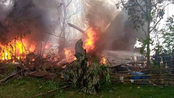 17 muertos en el accidente de un avión militar en Filipinas