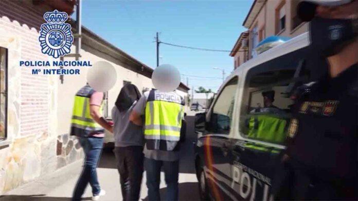 Detenido un yihadista con más de 60 manuales para la autocapacitación terrorista