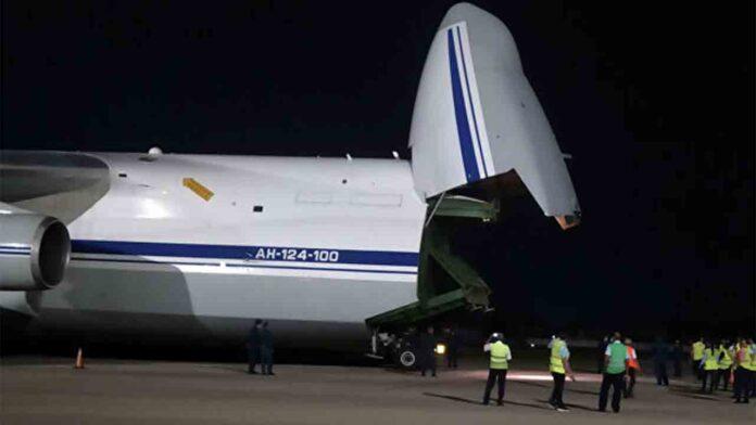 Llegan a Cuba 90 toneladas de ayuda humanitaria procedente de Rusia