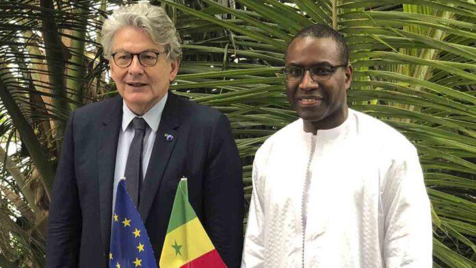Senegal construirá una planta de vacunas para cubrir la demanda africana