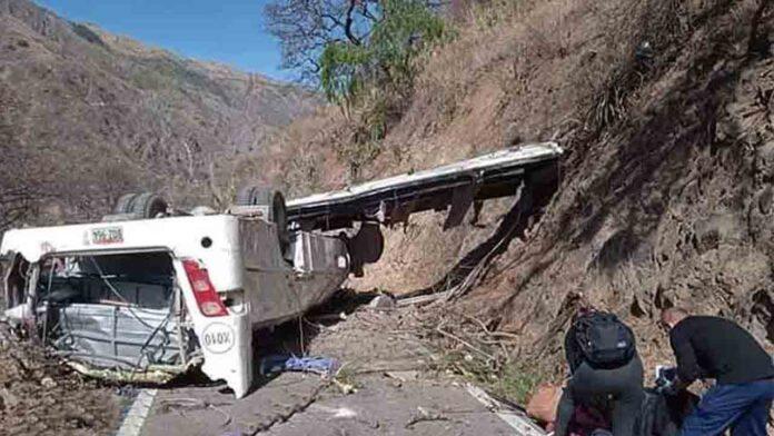 16 mineros muertos en un accidente de autobús en Perú