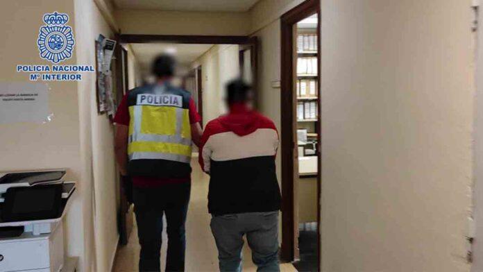 Cuatro detenidos en Zaragoza por tener a una mujer atada con cadenas a la cama