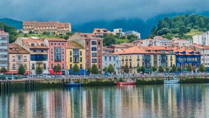 Ribadesella: Cuidado turista, tu asumes los riesgos rurales