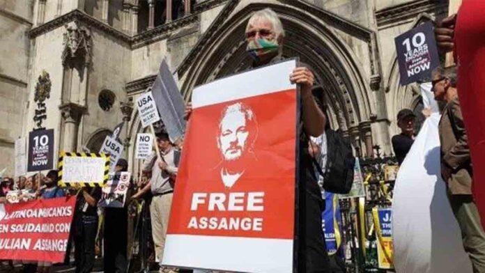 Un juzgado británico deja a EEUU que aporte más pruebas a la apelación de Assange para su extradición