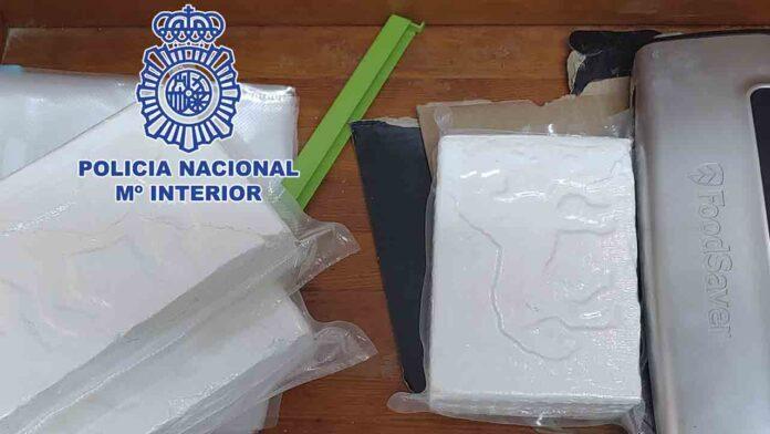 Desmantelan dos laboratorios con capacidad para producir 300 kilos de cocaína al mes