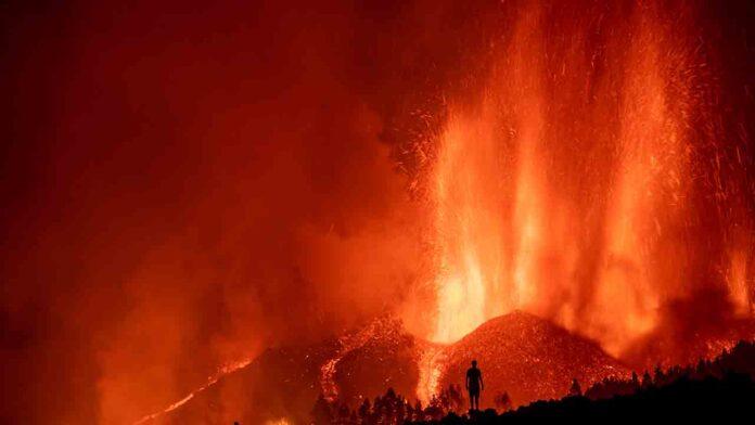 El Volcán de La Palma entra en erupción y ya hay más de 5.000 evacuados