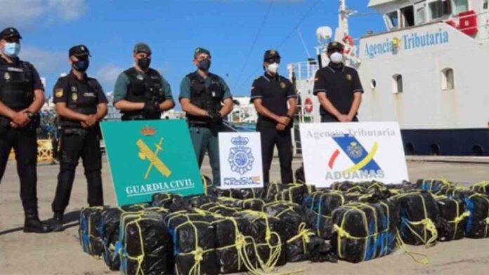 Intervenidos 1.200 kilos de coca en un velero en las costas de Canarias