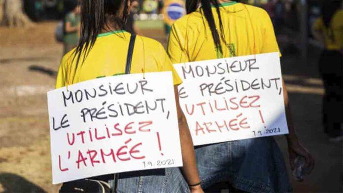 La extrema derecha de Bolsonaro pide en las calles fusilamientos