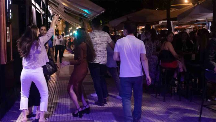 Madrid levantará todas las restricciones a la hostelería y ocio nocturno este lunes