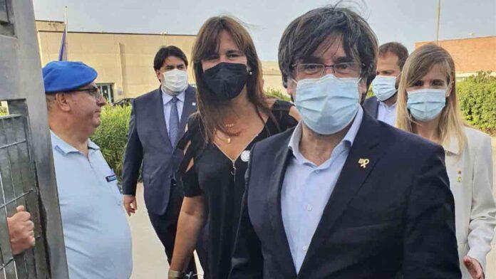 Puigdemont sale en libertad 'su inmunidad está intacta'