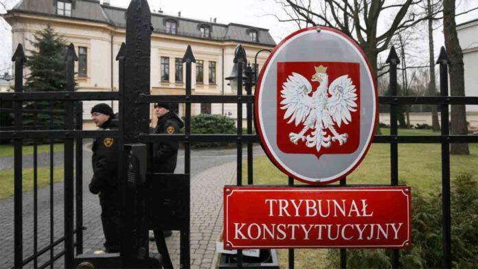 El Constitucional de Polonia falla que sus leyes están por encima de la UE